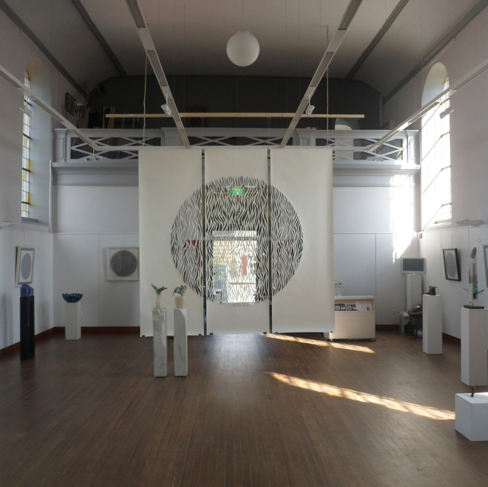 Rise, White Papercut, 3x300x100cm, CWS Verbinding/Connection Exhibition, Terpkerk Urmond, NL, 2014